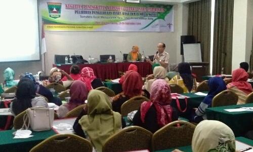 Peningkatan SDM, Dinpar Sumbar Kumpulkan Puluhan Pelaku UKM Obyek Wisata di Padang